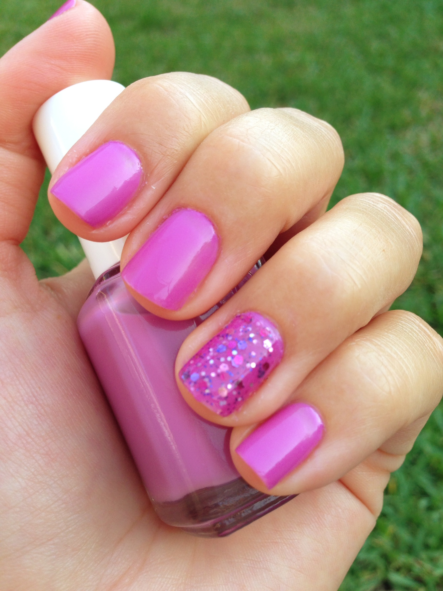 Nail art color violet - I Hope You Guys Enjoy This Week S Colors And Nail Art Idea Let Me Know What You Think Of This Color Combo And Share Your Nail Photos With Me