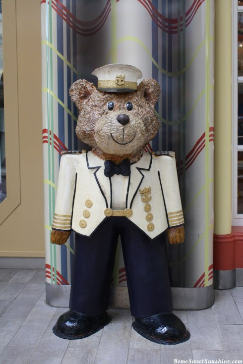 Oasis-of-The-Seas-Bear
