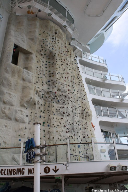 Oasis-of-The-Seas-Climbing-Wall