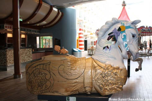 Oasis of The Seas Horse 2
