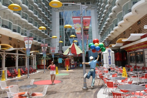 Oasis of The Seas Jany Boardwalk