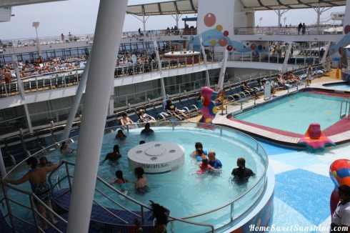 Oasis of The Seas Kids Pool-1